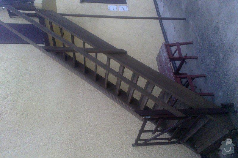 Venkovní schody: 14090018