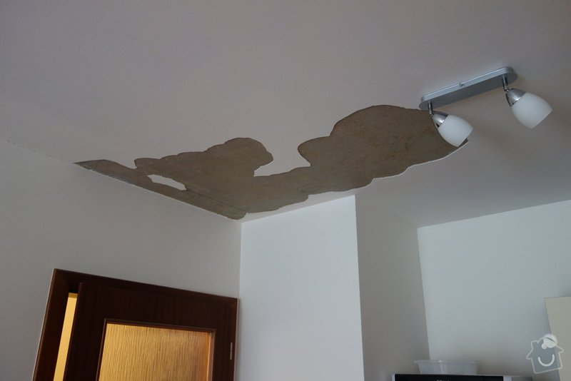 Oprava spadlé omítky na stropě: 1