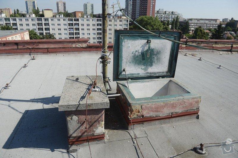 Drobné zednické opravy omítek atikových zdí a stěn šachet na ploché střeše: objekt2197-52