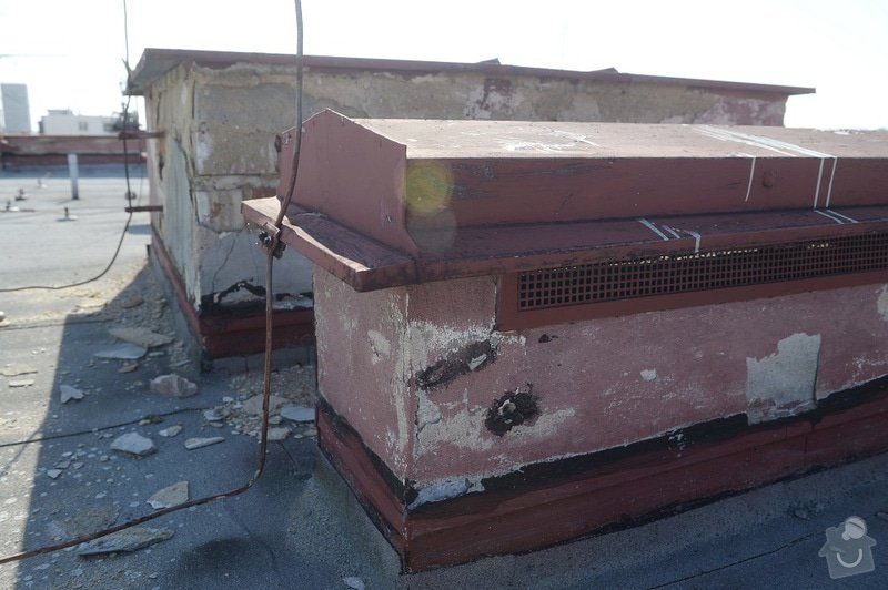 Drobné zednické opravy omítek atikových zdí a stěn šachet na ploché střeše: objekt2197-43