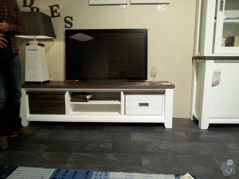 Nábytek na míru do obývacího pokoje, jídelny a chodby: TV_stolek