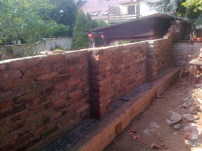 Rozebrání cihlové zdi a znovu postavení: 150920141616