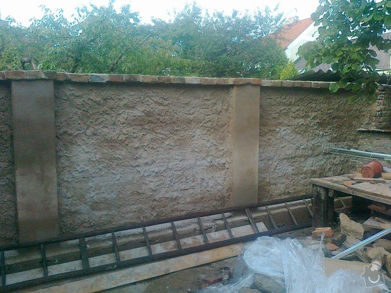 Rozebrání cihlové zdi a znovu postavení: 300920141636