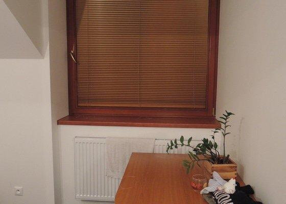 Horizontální, interiérové žaluzie na dřevěná eurookna
