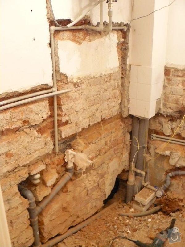 Výměna bojleru, rozvody vody v koupelně, : koupelna_Holesovice1