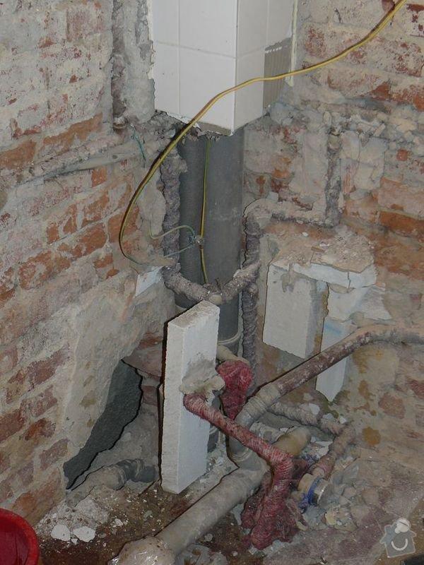 Výměna bojleru, rozvody vody v koupelně, : koupelna_Holesovice2Stara