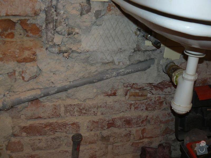 Výměna bojleru, rozvody vody v koupelně, : koupelna_Holesovice3Stara