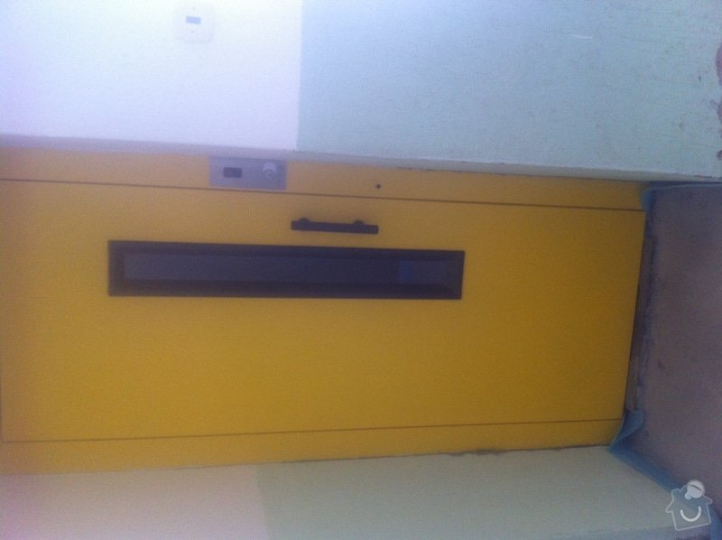 Přelakování výtahových dveří: Soucasny_stav_dveri_vytahu_L18