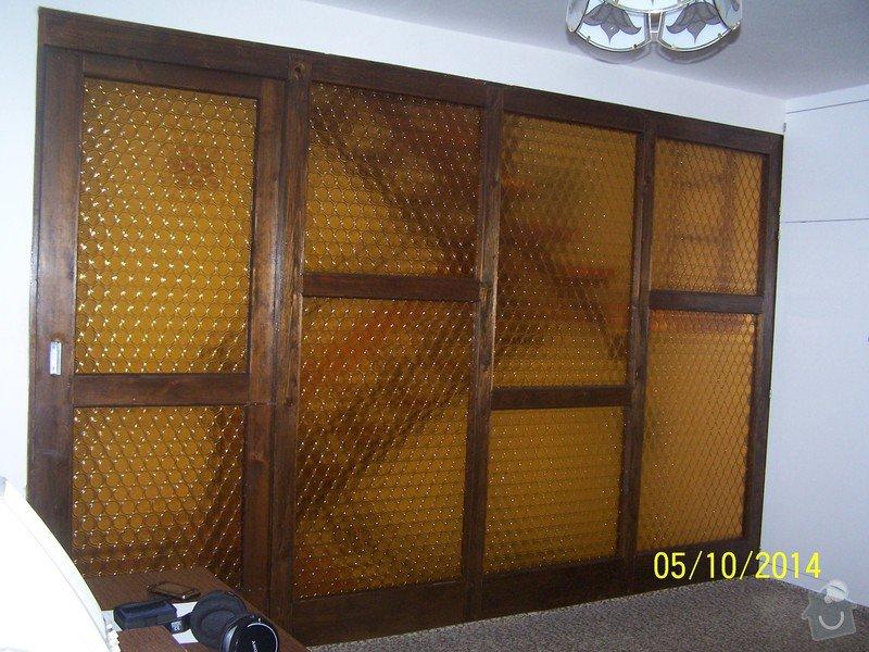 Dřevěná prosklená stěna s posuvnými dveřmi: 100_4723