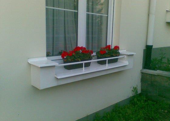 Venkovní sušák na prádlo na okno