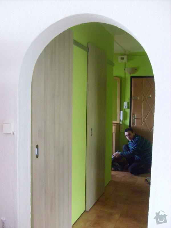 Posuvné dveře před stěnu : Slehova-dvere_na_WC_KOU2