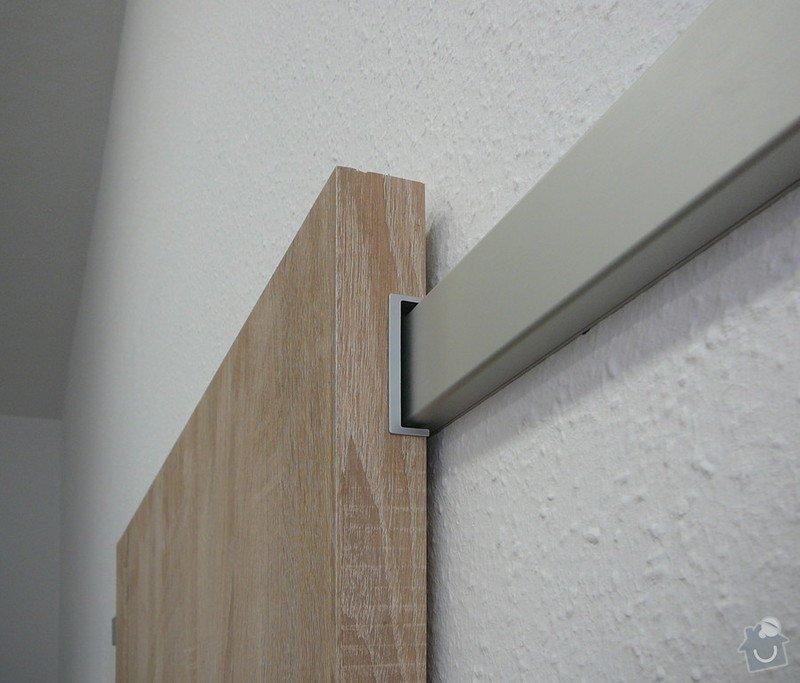 Posuvné dveře před stěnu : zasouvaci_na_hlinikove_liste-detail_2
