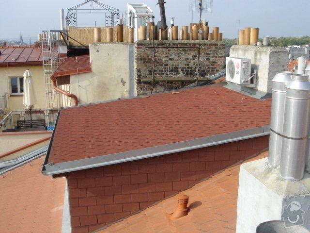 Opravu střechy činž.domu proti zatékání: 2