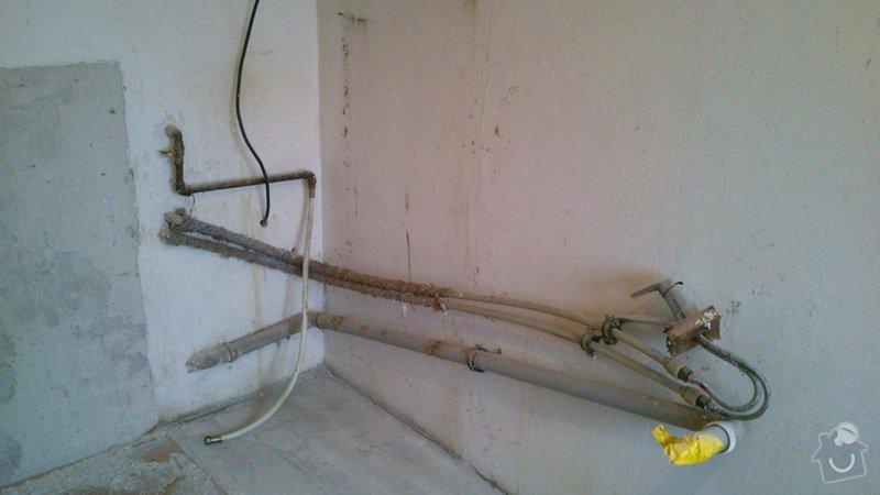 Rekonstrukce vodovodu a odpadů: DSC_0181