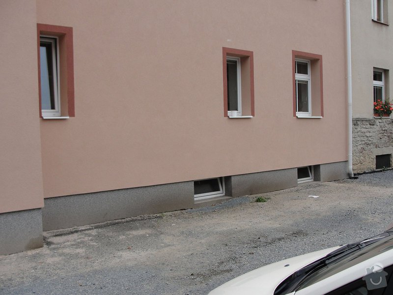 Izolaci základů bytového domu: DSC00002