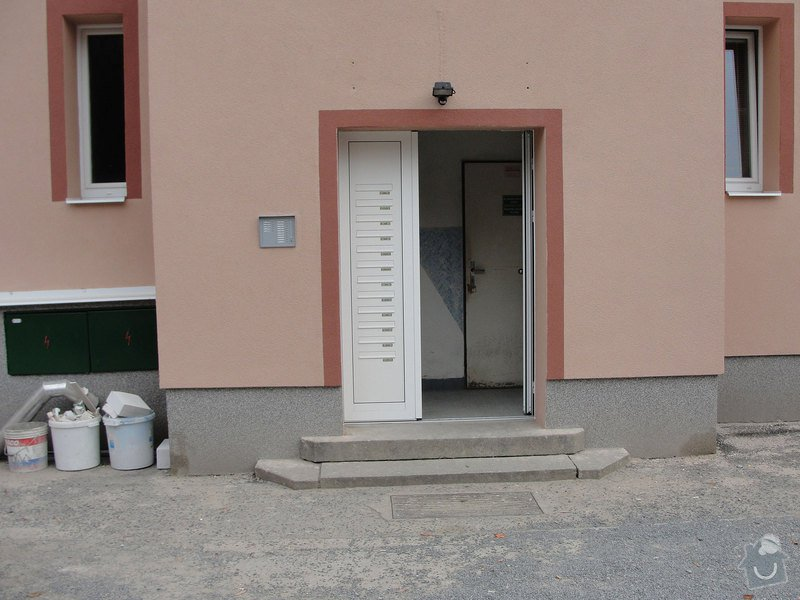 Izolaci základů bytového domu: DSC00003
