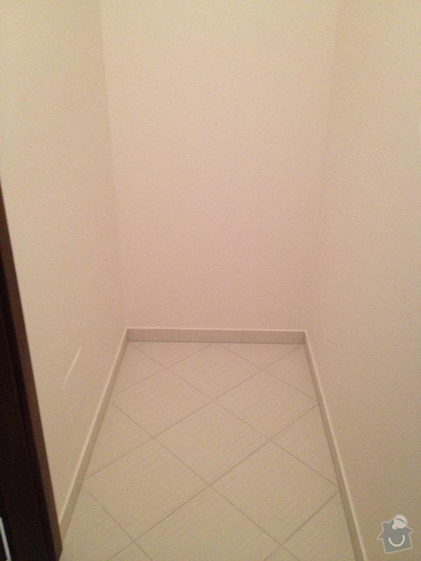 Truhláři - vestavěná skříň do koupelny a police do komory: IMG_1633