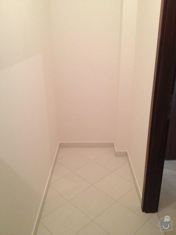 Truhláři - vestavěná skříň do koupelny a police do komory: IMG_1634