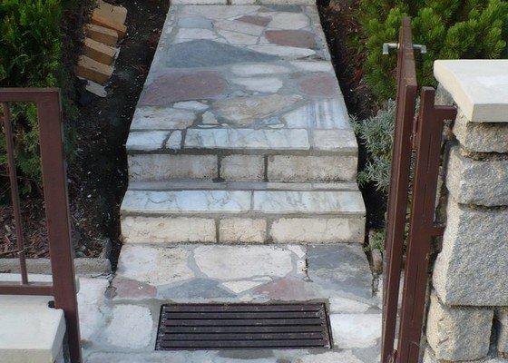 Rekonstrukce schodů