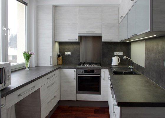 Návrh a zhotovení kuchyňské linky a koupelnového nábytku