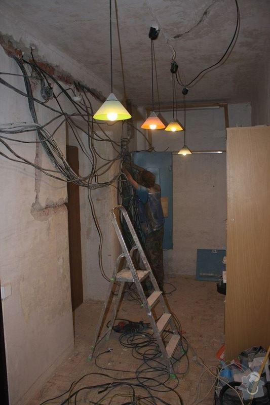 Dokončení rekonstrukce kuchyně a chodby HK akutně spěchá!: 10689723_10203733143866631_4120373905044761915_n