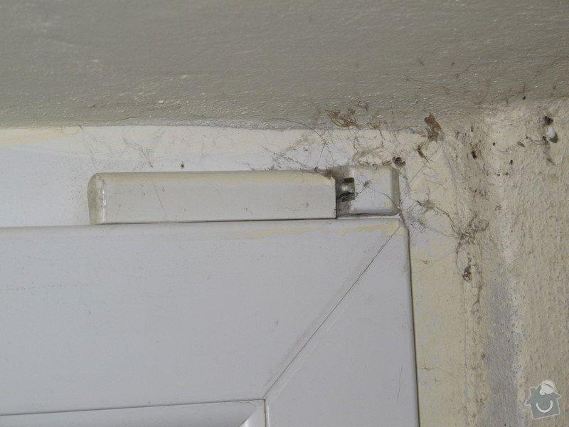 Úprava plastových dveří - přidání ventilace: IMG_2582