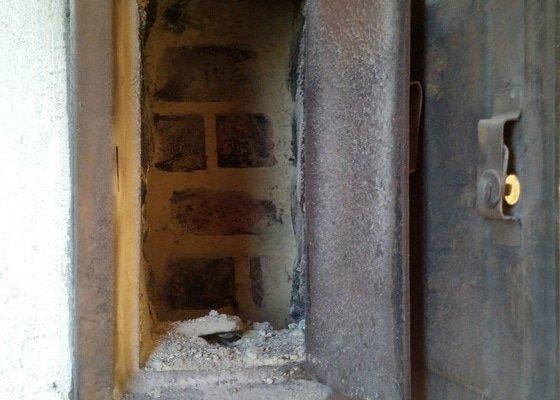 Priprava komina (vyvlozkovani) na pripojeni kondenzacniho kotle a novy komin pro obycejny kotel