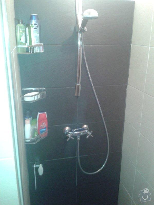 Vymena sparovacky ve sprchovem koute (Nika) za kvalitnejsi Mapei..: 20141020_080809