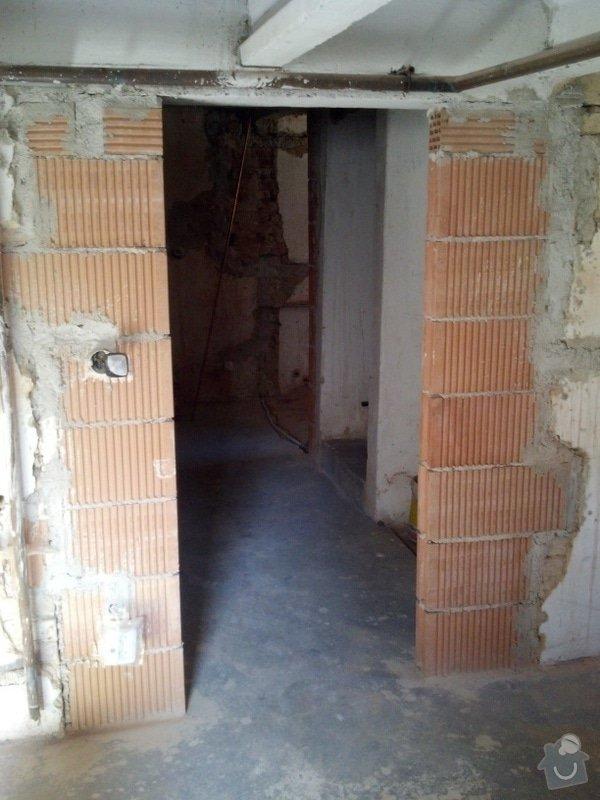 Dvoje dveře a zárubně k nim: 80ky_dvere_do_diry_vysky_195_cm