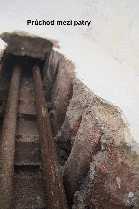 Výměna stoupačky topení a napojených těles v 4 patrovém domě: Rekonstruke-2013-Stoupacka-stara-pruchod
