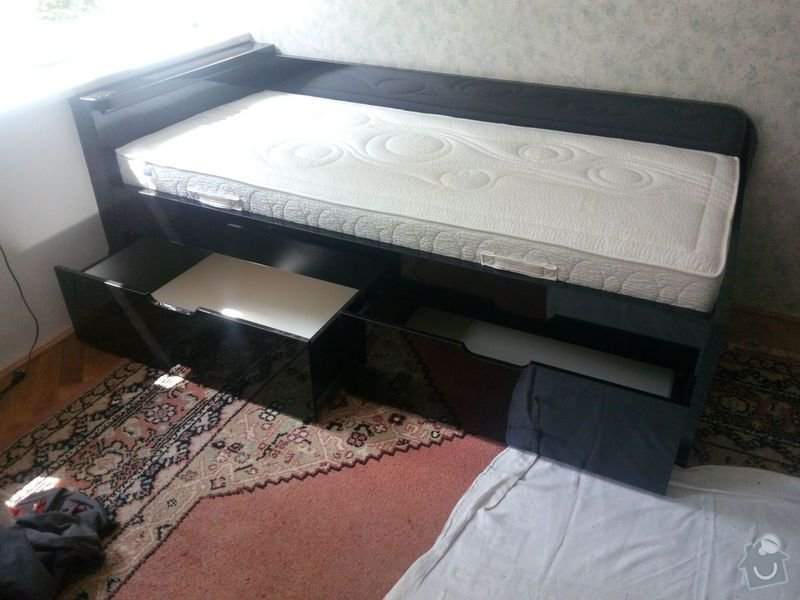 Výroba a montáž vestavěné skříně a postele: IMG_20140602_120253