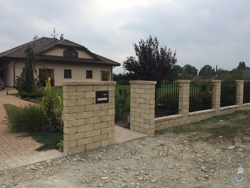 Stavba plotu: IMG_0299