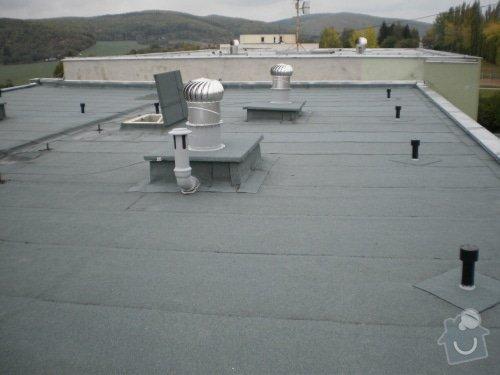 Hydroizolace střechy, oprava chodníku, fasády: 20111020_04
