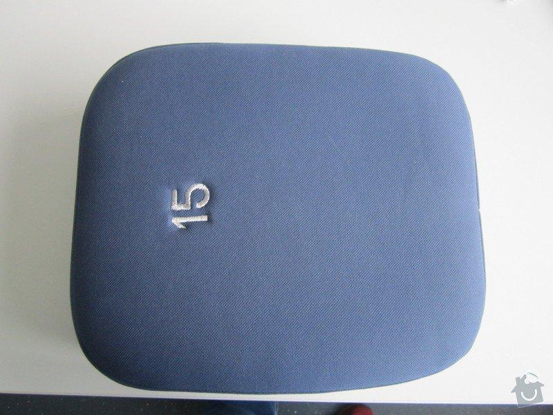 Oprava opěrky hlavy u sedačky: predni_strana_operky