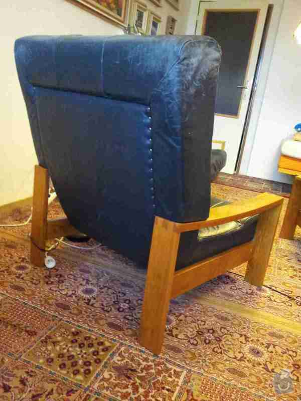 Renovaci výplně kožené 3-místné sedačky a 2 křesel: 20141023_095752