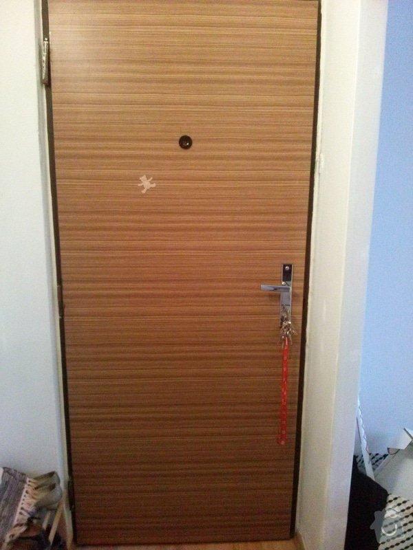 Renovace bytových vstupních dveří: CAM00195