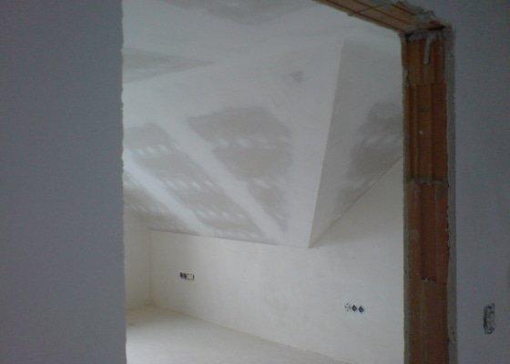Montaz izolace a sadrokartonu v podkrovi RD