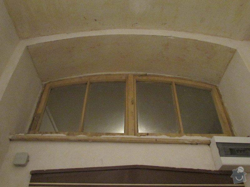 Zednicke prace - zazdeni okenka nad dvermi do bytu: IMG_6605