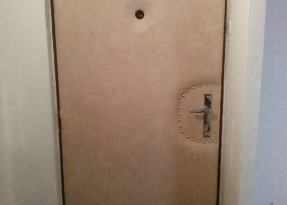 Renovace bytových vstupních dveří