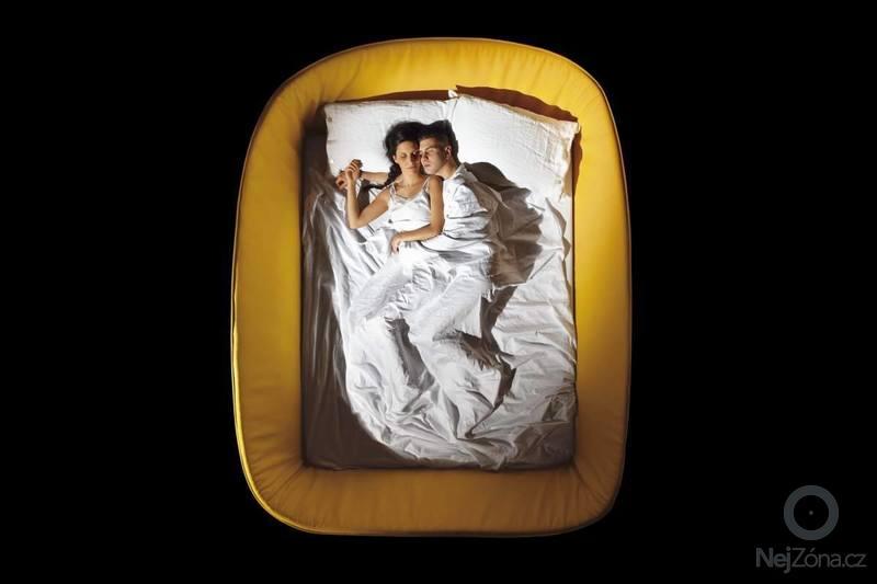 Výroba atypické čalouněné postele: 10506886_10152658160602577_21877150005701201_o