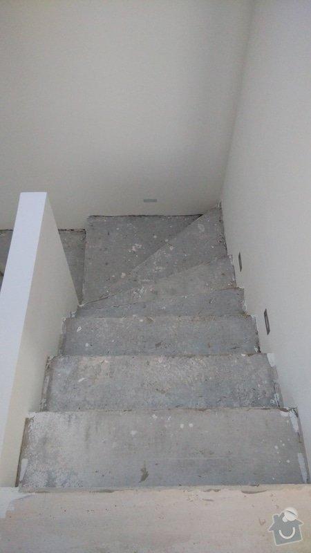Nášlapy z vinylu na točité betonové schodiště: schodiste_1