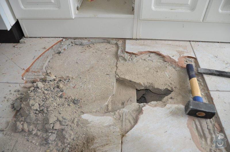 Vybourání betonové podlahové desky 4cm na zásypu : DSC_0613