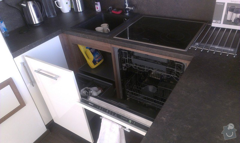 Výroba kuchyně: IMAG0170