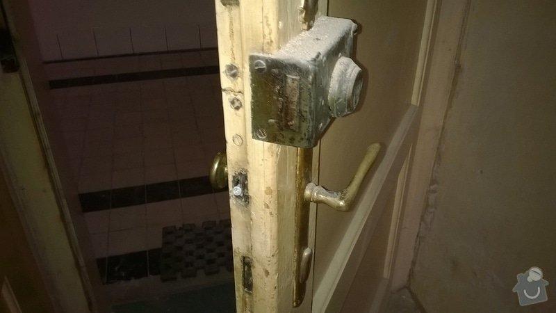 Rekonštrukcia drevených vchodových dverí (nie folia) +vyroba drevencyh skriniek na mieru nad dvere. : WP_20140529_025