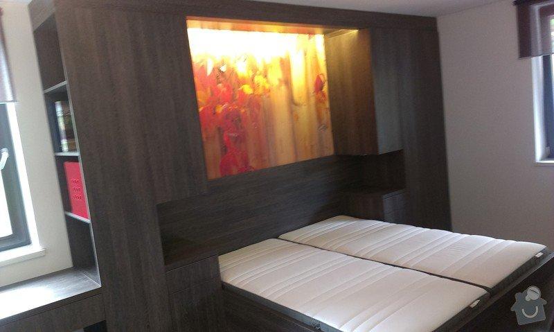 Postel s úložným prostorem, šatní skříň, noční stolky, komoda, úložné skříňky a pracovní stůl do ložnice: IMAG0111
