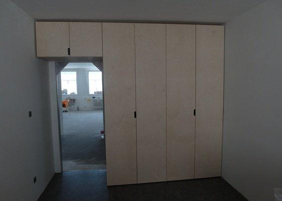Kuchyňská linka + vestavěné skříně