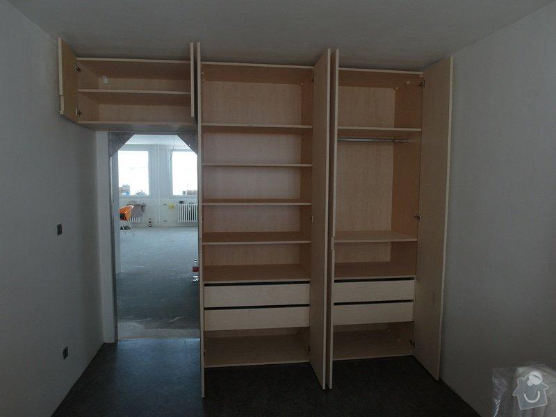 Kuchyňská linka + vestavěné skříně: SAM_0395