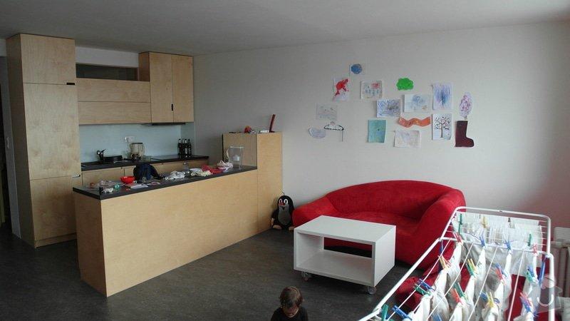 Kuchyňská linka + vestavěné skříně: obyvak_od_okna1