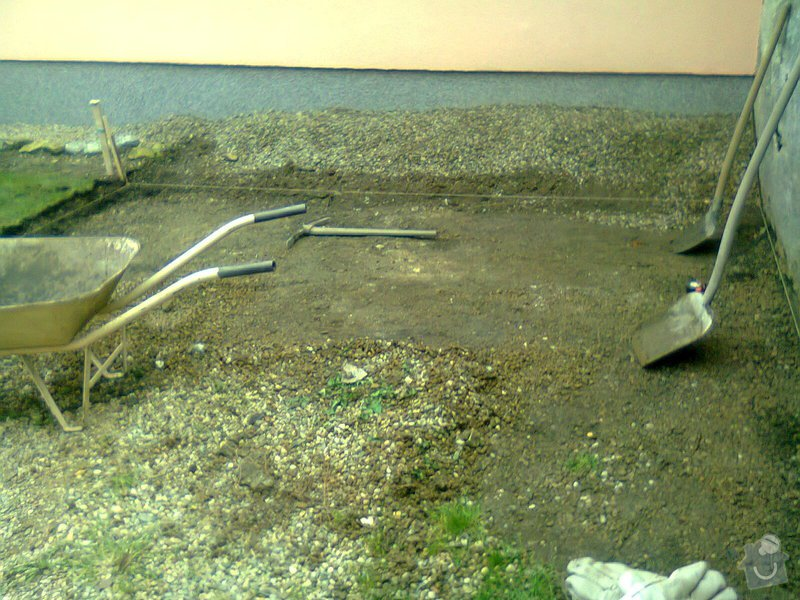 Pokládka zámkové dlažby: Fotografie0236