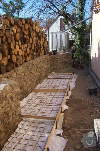 Kamenná zeď a chodníček: 100_0219
